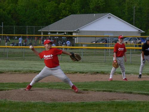 Luke Krasienko pitching, Alec Schmidt at 1st