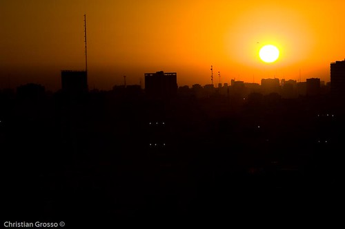 "Atardecer de Buenos Aires • <a style=""font-size:0.8em;"" href=""http://www.flickr.com/photos/20681585@N05/2593758553/"" target=""_blank"">View on Flickr</a>"