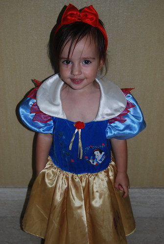 Riley as Snow White - Halloween 2008
