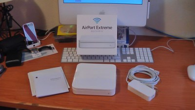 Mi viejo AirPort Extreme, fotografiado en 2008 cuando llegó a casa