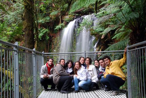 Foto de grupo en la cascada de Beauchamp