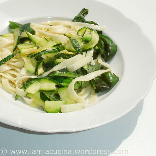 Fettuccine con zucchini