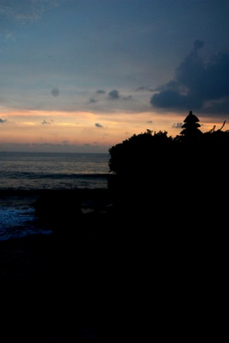 cloudy sunset @ tanah lot
