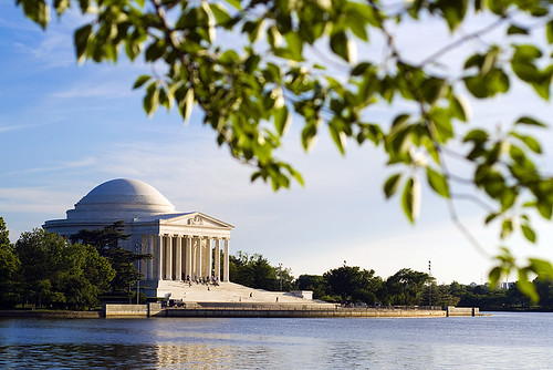 Walking along the Tidal Basin toward the Thomas Jefferson Memorial.