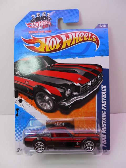 hot wheels ford mustang fastback blkred (1)