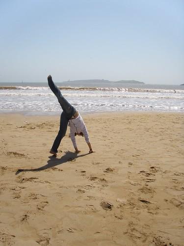 Les piruetes de la Difda, platja de Marraqueix