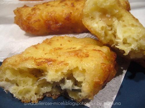 Frittelle di cavolfiore al gorgonzola con pinoli
