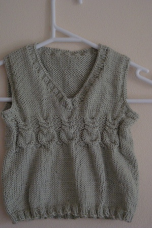 FO - Green Owls knitted vest 2
