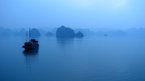 Morning fog on Halong bay