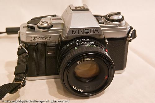 Minolta X300 35mm SLR _G105654