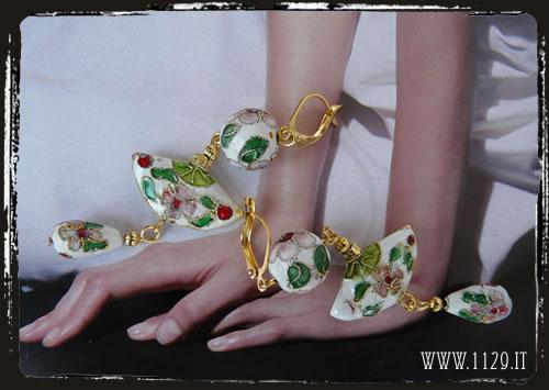 Orecchini bianchi cloisonné - White flower earrings IECLOBI