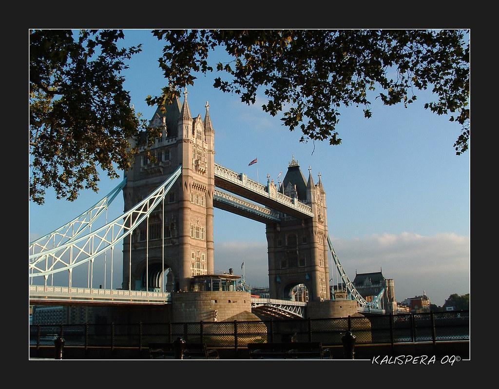 Tower Bridge...nel sole.