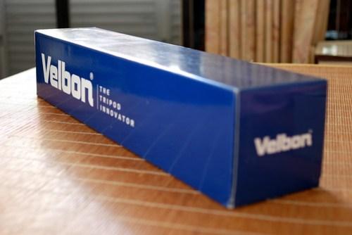 深藍色的外盒還不錯有質感
