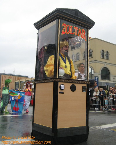 Zoltar Speaks, First Prize for Motorized Float in the 2009 Mermaid Parade. Photo © Tricia Vita/me-myself-i via flickr