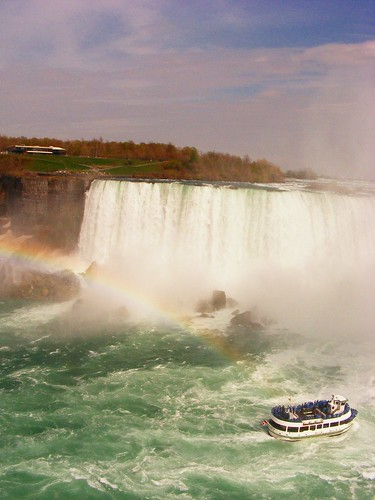 ...rainbow! (+ the maid of the mist)
