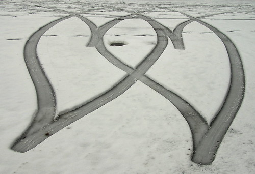 Long shadows · scroll bracket · 2 hearts in the snow