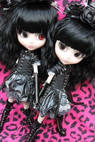 167/365- Gothic & Lolita Psycho Yuki (both versions)