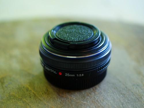 Olympus Zuiko 25mm f/2.8 Pancake lens