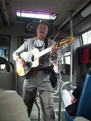 007 - Febrero 5 de 2009 - Lovely work, nice man, dredfull singing...
