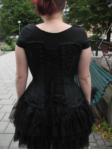 making a corset 48