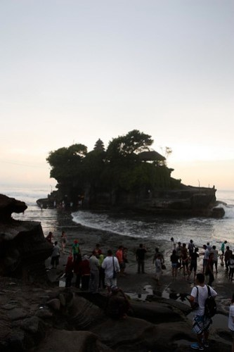 tanah lot is still busy...