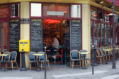 Marais sidewalk cafe, Paris