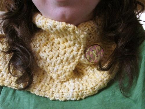Yellow neckwarmer