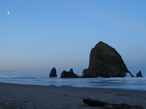 Haystack Rock - Tide