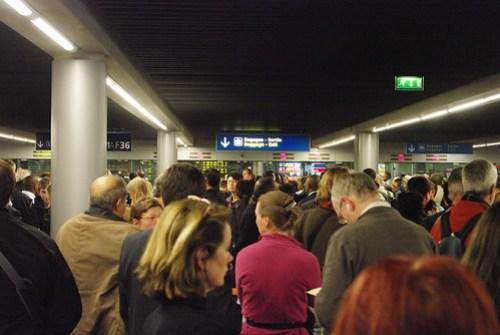 Paris-CDG Terminal 2E chaos at Passport Control