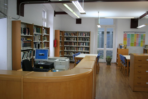 Sala de Adultos por Biblioteca Piedras Blancas.