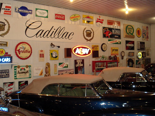 London, Ontario - Fleetwood Country Cruize In -  Cadillac Garage