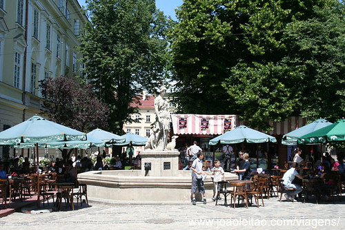Praça Rynok no centro de Lviv, UNESCO Ucrania Maio 2009