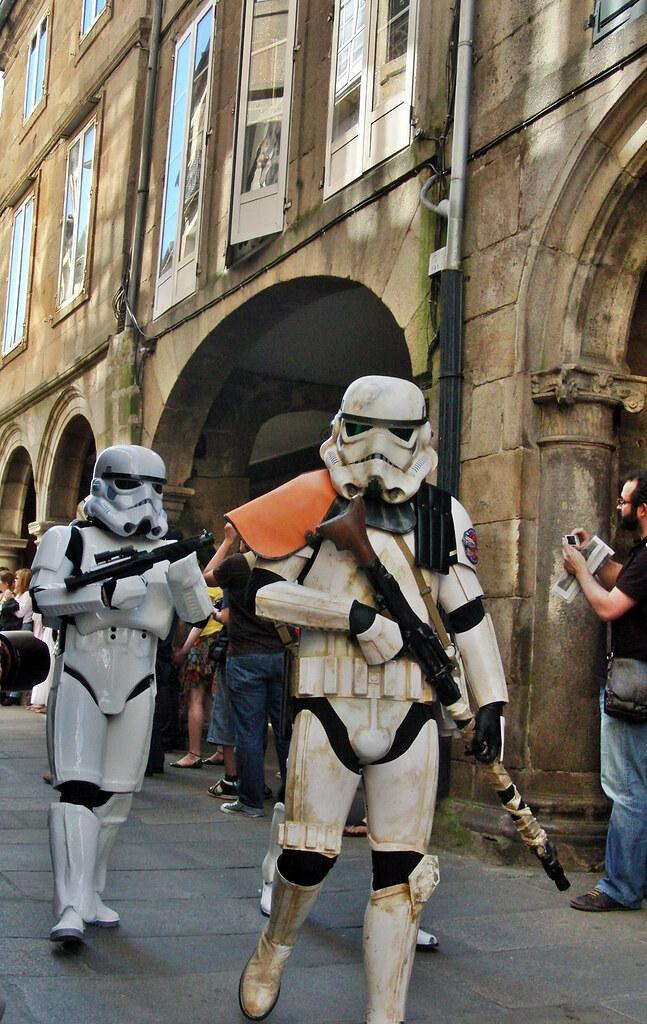 tropas imperiales tomando posiciones en Santiago de Compostela