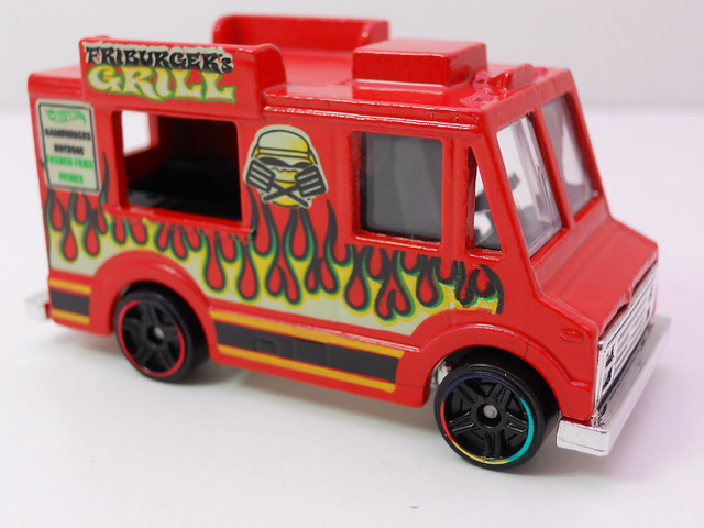 hot wheels ice cream truck red (3)