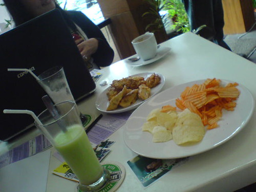 Makanan gratis dari Soto Pelangi :D