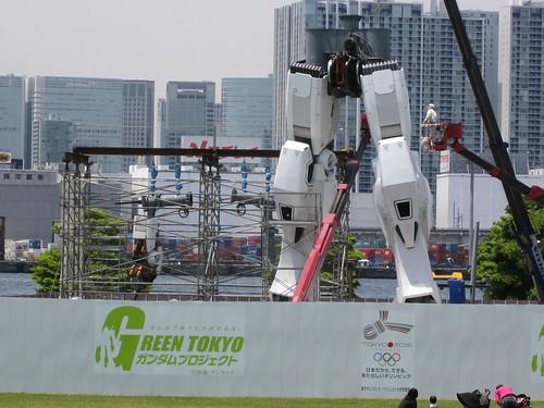 Life-size RZ-78 Gundam Leg-May progress