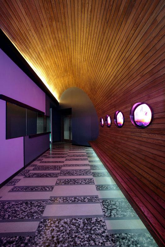 03 Nisha Bar Acapulco - Modern Entrance Alley