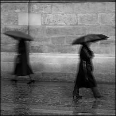 Dancing in the rain - Paris