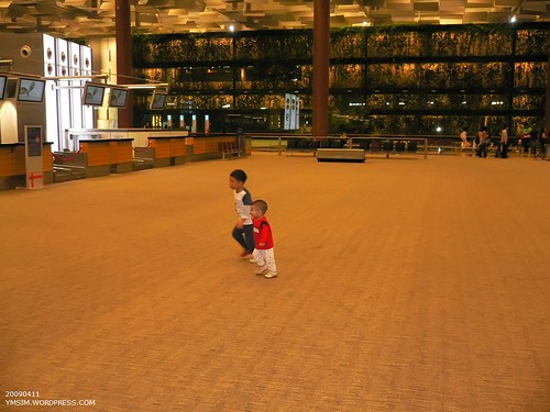 Samuel & Isaac at Changi Airport T3