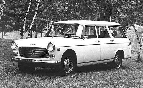 Peugeot_404_wagon_j4