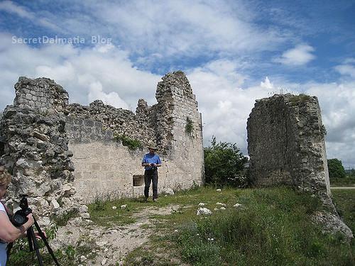 Dennis Cox - Vrana Templar Castle
