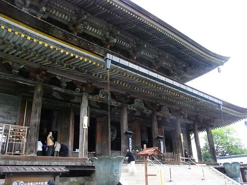 藏王堂本殿