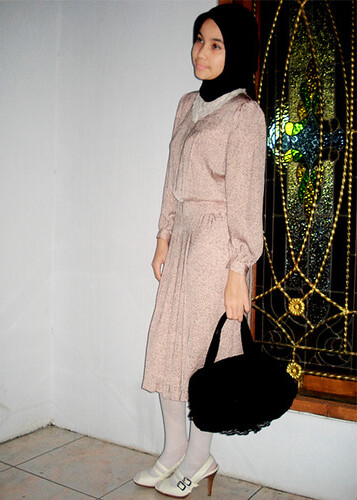 dress : gotchabelle shop, bag : creams closet, tight : missielle shop, shoes : charles n keith
