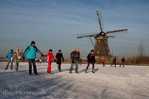 Patinando junto a los molinos de Kinderdijk