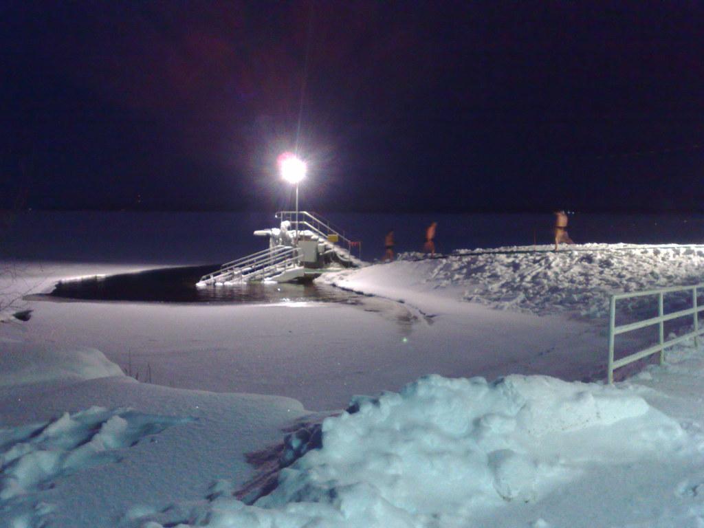Na sauna de Rauhaniemi, à noite logo após uma nevada...