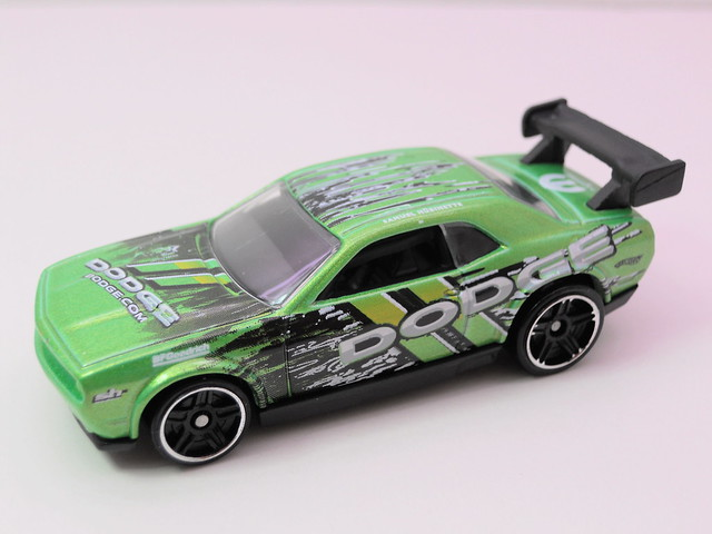 hot wheels dodge challenger drift car green (2)