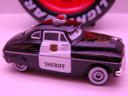 tomica sheriff pin striped