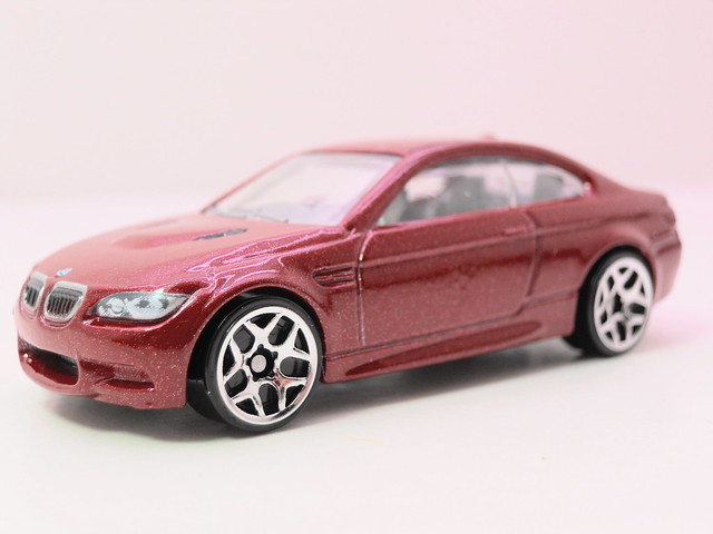 hot wheels '10 bmw m3 red (2)