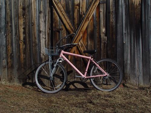 Thats a sweet bike/barn shot, huh?