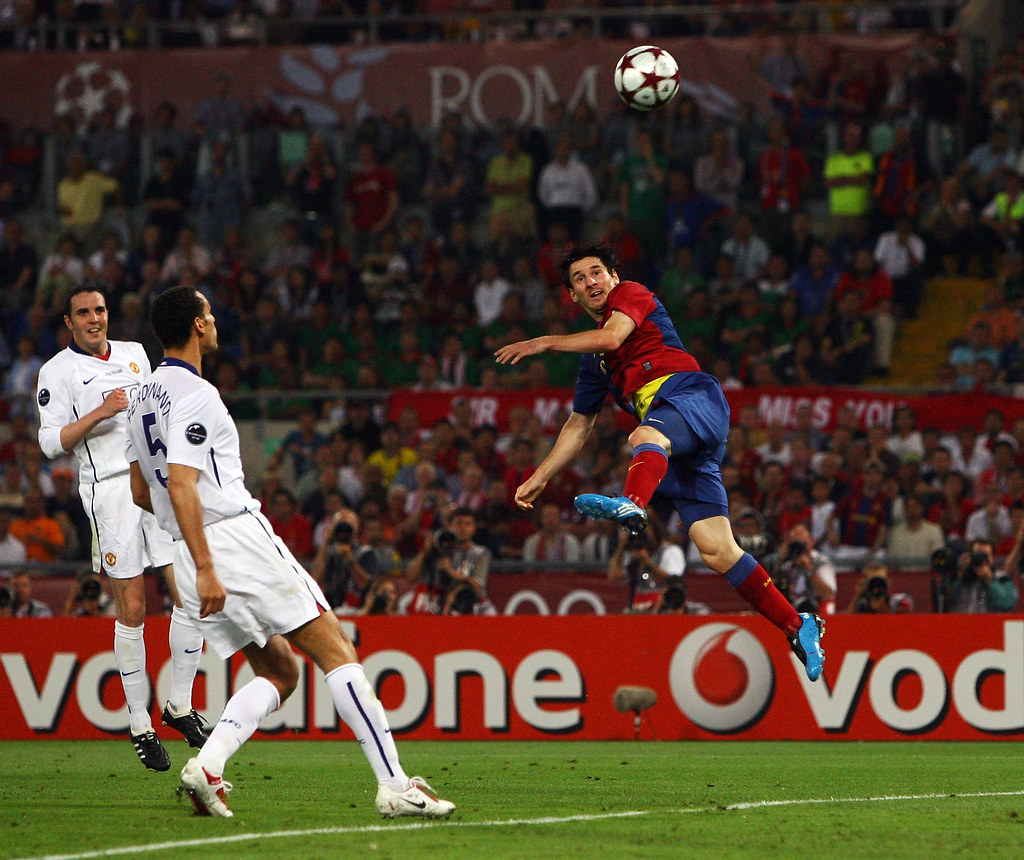 Lionel Messi cabezazo